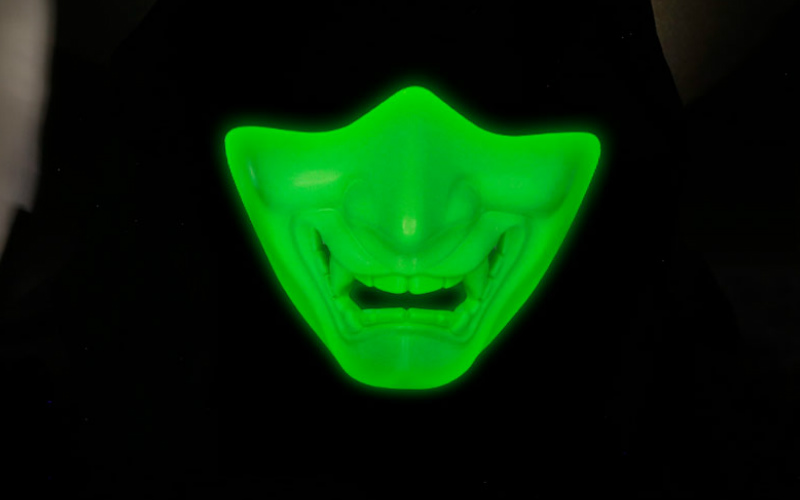 WoSport glow in the dark mask just for you